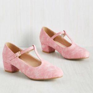 Modcloth kitten heels in bubblegum 10